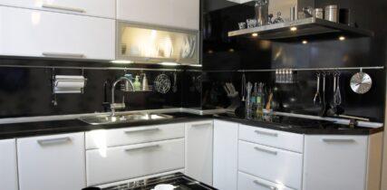 угловая кухня на заказ в краске со скидкой