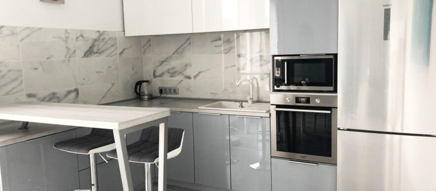 угловая кухня на заказ крашеные фасады